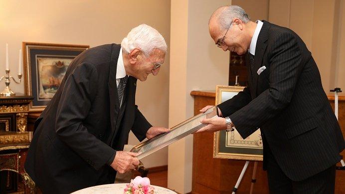 Ali Nihat Gökyiğit'e Japonya Devlet Nişanı Verildi!