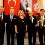 Galatasaray Lisesinin Coşkulu Kutlaması