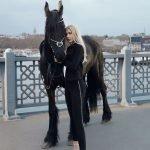 Aleyna Tilki, Jean Modası'nın Kült Parçalarılarıyla!